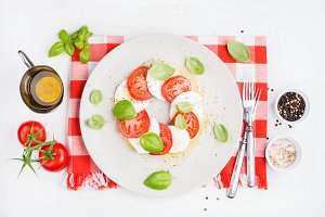 CLassic Italian Caprese salad