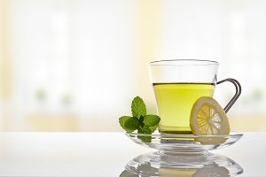 Green tea with mint and lemon front