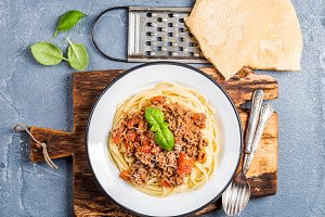 Spaghetti Bolognese in metal plate
