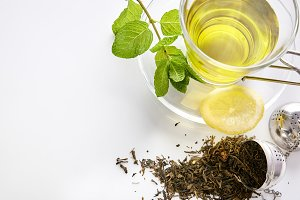 Green tea, mint, lemon strainer top2