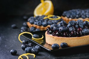 Lemon Tartlet with blueberries