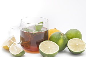 Tea, mint  and limes