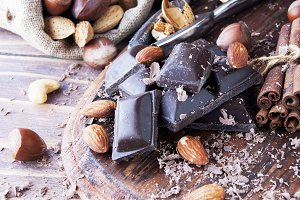 pieces of chocolate with nuts and cinnamon