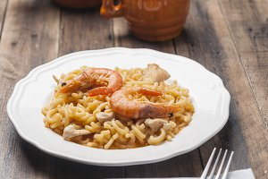 Noodles with chicken and prawns