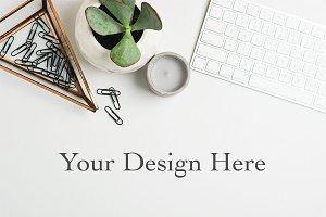 Modern Minimalist Styled Desktop