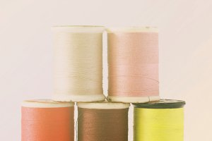 Different colors of thread spools