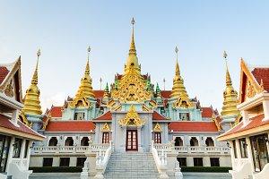 Phra Mahathat Chedi Phakdi Prakat