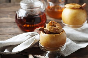 Baked apple with honey