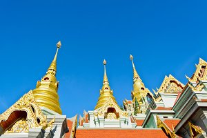 Pinnacle golden pagoda