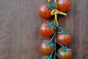 bunche of cherry tomatoes