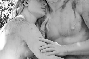 Lovers in Stone (Photo)