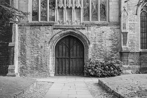 Holy Trinity church in Stratford upon Avon in black and white