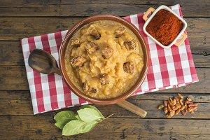Spanish double-mashed or bobbed potatoes