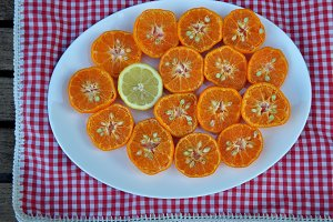 mandarins and lemon cut