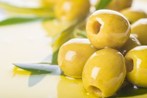 Pitted green olives with extra olive oil