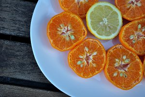 mandarins and lemon sliced