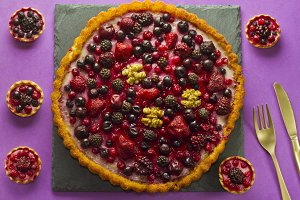 Autumn fruits cake