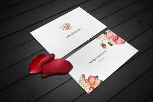 Business cards with petals Mockup