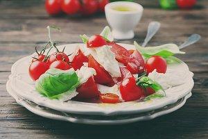 Italian salad caprese