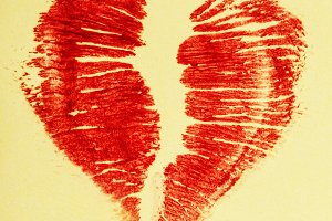 Print lipstick heart