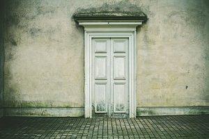 iseeyouphoto whitedoor