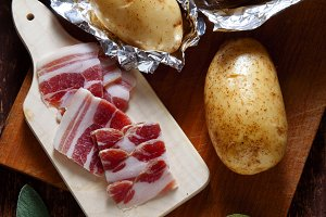 potatoes and sliced bacon