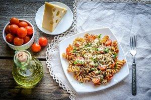 Whole heat fusilli pasta