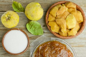 Spanish quince paste with ingredients
