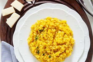 yellow saffron risotto