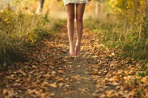 legs girl walking in the park