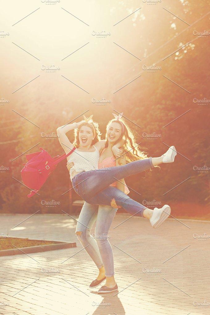 Best friends. Girlfriend. - People