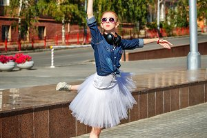 Ballerina dancing on the streets.