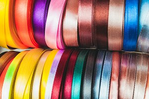 The ribbon spools