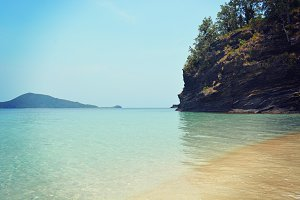 Secret Island Bay
