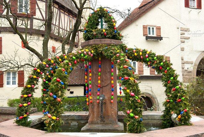 Easter fountain. Osterbrunnen - Holidays