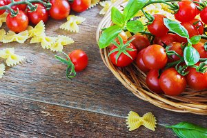 fresh organic cherry tomatoes