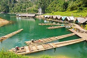 Motor raft wharf