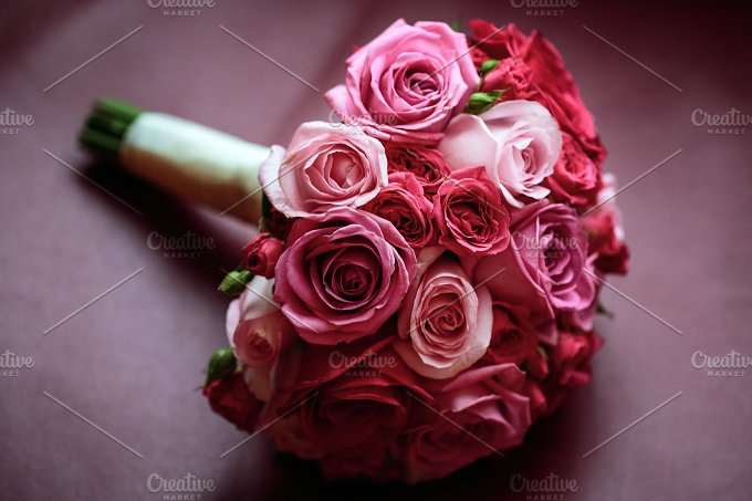 Wedding flowers. Pink and red roses. - Nature