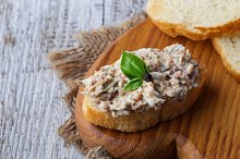 Tuna salad with eggs