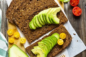 sandwich with rye bread