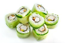 Roll with shrimp and cucumber