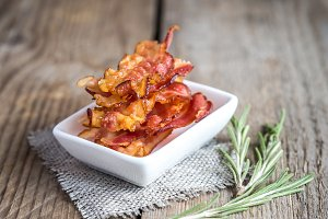 Fried bacon strips