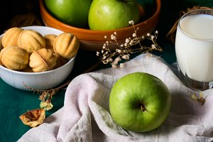 Breakfast with apples and cookies