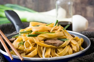 Chinese food. Beef chow mein