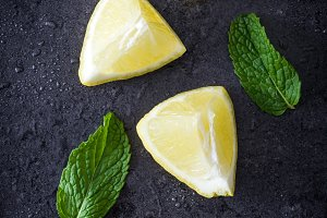 Pieces of lemon and peppermint