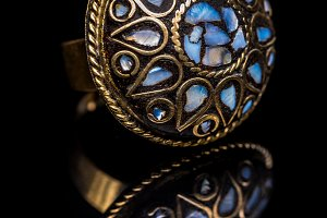 Ring with turquoise stones