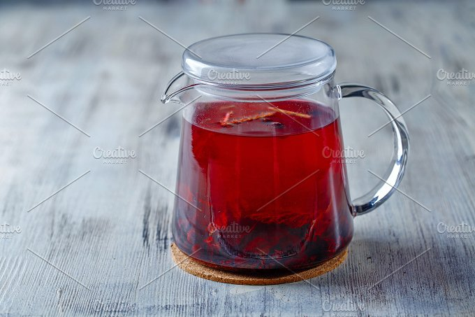 Tea kettle. Red tea - Food & Drink
