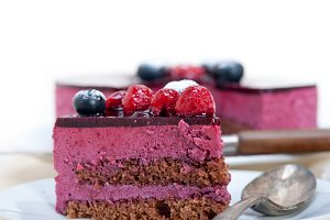 raspberry and blueberry cake