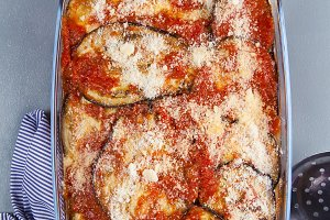 eggplant parmesan with cheese