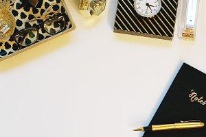 InstaPix-Luxe Desk